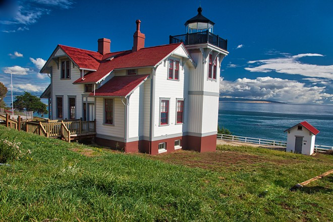 Head Keeper's Dwelling and Lighthouse, Point San Luis