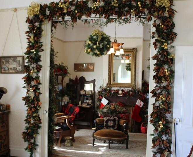 fabing_mckay_spanne_christmas-e1540941745186.jpg