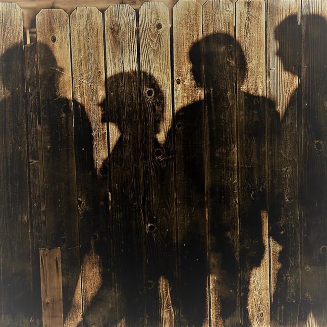 shadows_against_wall1_2_.jpg