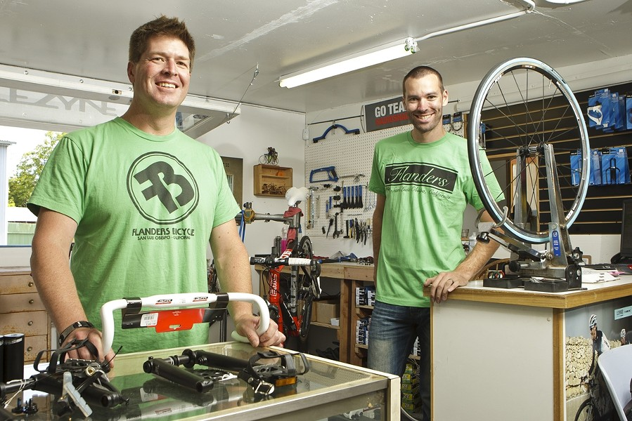 SIMPLY SERVICE :  Jon Richert and Shawn Hafley will smile, ask about your day, and actually mean it. - SIMPLY SERVICE