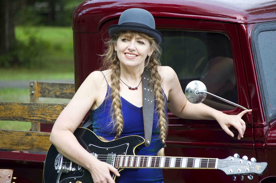 NASHVILLE SONGSTRESS Anne McCue plays Sculpterra's next Wine-Down Wednesday show on Aug. 16. - PHOTO COURTESY OF ANNE MCCUE
