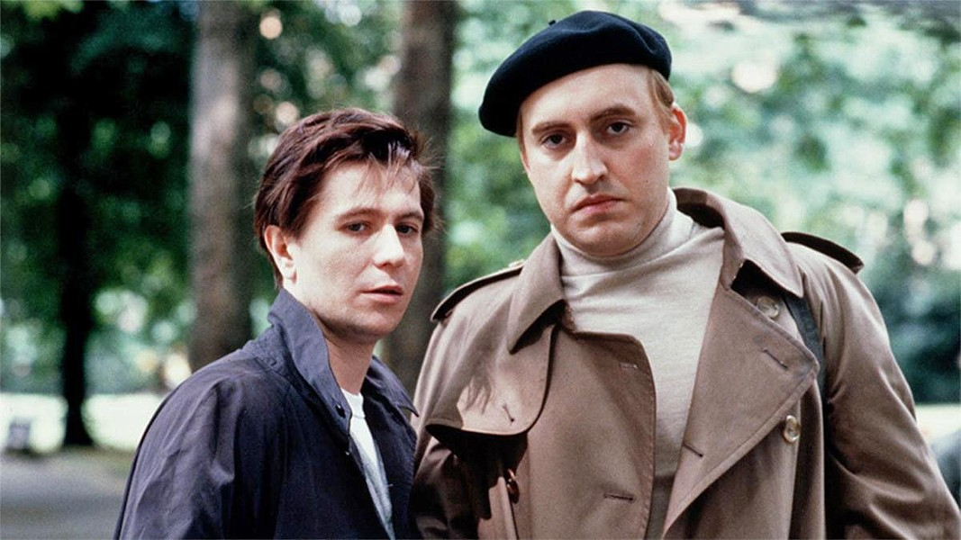 MURDERER Alfred Molina stars as Kenneth Halliwell, who murdered his lover, British playwright Joe Orton (Gary Oldman), in the 1987 biopic Prick Up Your Ears. - PHOTO COURTESY OF ZENITH ENTERTAINMENT