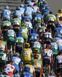 RACE FOR THE TOUR :  While the Chamber of Commerce sings praises for the success of this year's Tour of California, some local merchants say the race did their businesses more harm than good.