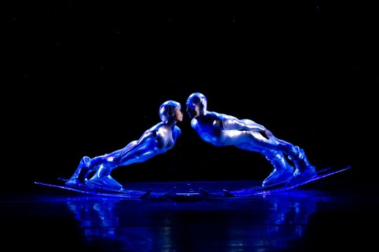 MILLENNIUM SKIVA : - PHOTO COURTESY OF MOMIX