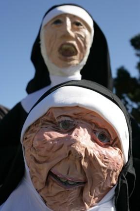 Singing_Nuns0.jpg