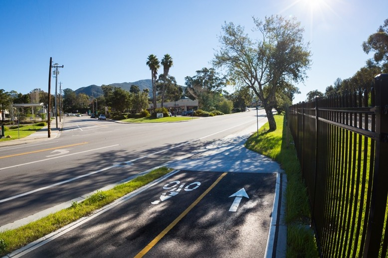 NOW WHAT?:  The Railroad Safety Trail in San Luis Obispo can be problematic for bicyclists who have to navigate its disconnected patches of protected paths, but a new city plan should help alleviate problems on at least one portion. - PHOTO BY KAORI FUNAHASHI