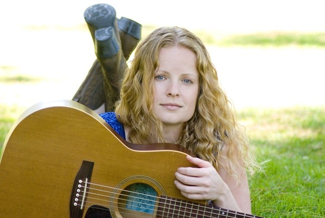 STARTING STRONG :  Alice Wallace has a new album and will be starting the new year with a show at Sculpterra Winery on Jan. 1. - PHOTO COURTESY OF ALICE WALLACE