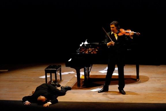PHOTO COURTESY OF FESTIVAL MOZAIC CLASSICALLY UN-CLASSICAL:  Aldo Gentileschi (left, on the floor) and Brad Repp (right) make up the Italian musical comedy act Duo Baldo, who will perform as part of Festival Mozaic's Fringe Series, in their only U.S. appearance this year. - PHOTO COURTESY OF FESTIVAL MOZAIC