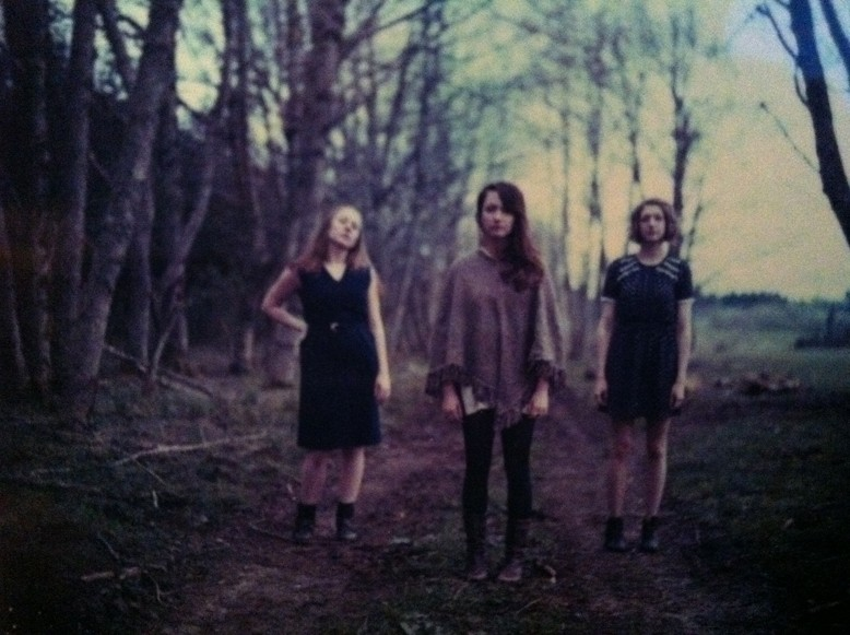 INDIE-POP HARMONIES :  Portland, Oregon-based Ezza Rose and her band come to Linnaea's Café on May 9. - PHOTO COURTESY OF EZZA ROSE