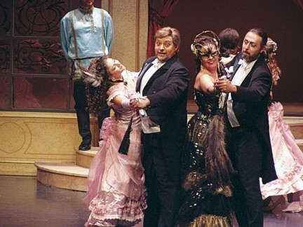 DIE FLEDERMAUS :  Feb. 10 at 7 p.m. at the Cohan Center. $36-58. - PHOTO COURTESY OF TEATRO LIRICO D'EUROPA