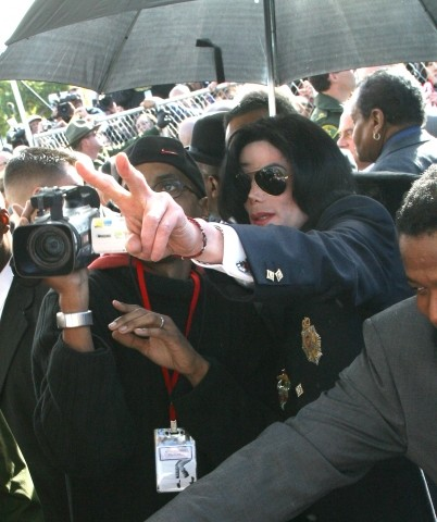 FLAP FOR A KING :  When Michael Jackson was accused of child molestation, his January arraignment in Santa Maria resulted in a veritable media circus, with news outlets, fans, and protesters arriving from all over the world.
