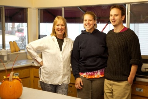 HOSPITALITY, AMERICAN STYLE :  (left to right) Hostel Obispo owner Elaine Simer will cook up a Thanksgiving Day feast for her foreign guests with the help of Liz Marut and Neil Eckard.