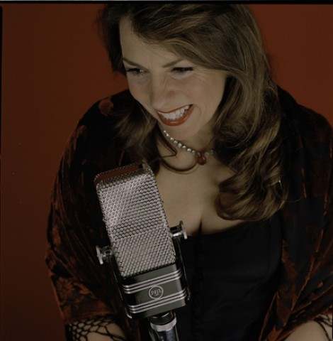 FEELING ROMANTIC? :  Get a jump on Valentine's Day when jazz vocalist Mellonie Irvine performs her romantic jazz standards with the Mike Raynor Group on Jan. 18 at the Inn at Morro Bay. - PHOTO COURTESY OF MELLONIE IRVINE