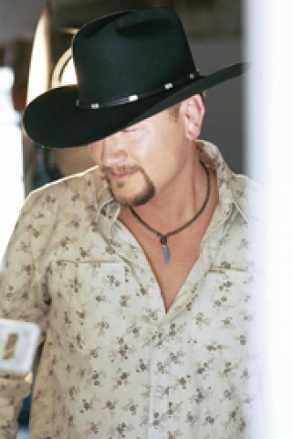 HARDY JUDGE :  J.D. Hardy, recording artist on the Nashville-based Castle label, will be one the guest judges for the May 4 West Coast Songwriters Competition at the Clubhouse. - PHOTO COURTESY OF J.D. HARDY