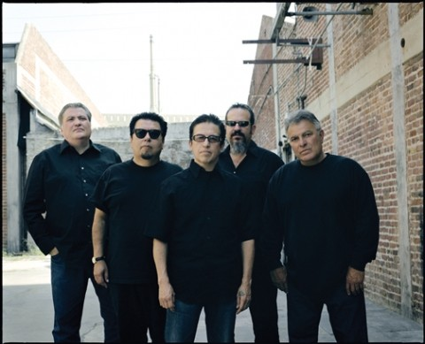 SLINGERS DE PISTOLAS :  Famed East L.A. band Los Lobos headlines the May 27 Avila Beach Blues Festival - PHOTO COURTESY OF LOS LOBOBS