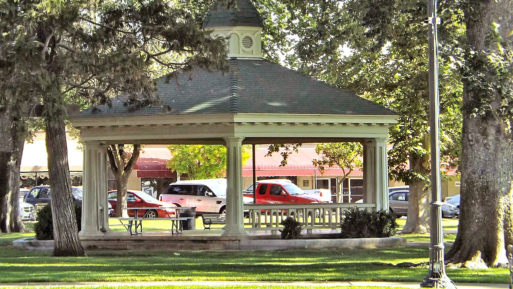 ON THE CLOCK Paso Robles will consider adding timed parking to its downtown next year to open up more spaces for customers. - PHOTO COURTESY OF KEN FIGLIOLI