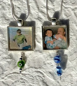 Encase your photos in resin - Uploaded by Joan Martin Fee