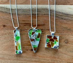 Create with sea glass and resin - Uploaded by Joan Martin Fee