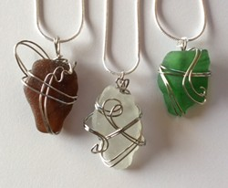 Learn how to wire wrap sea glass - Uploaded by Joan Martin Fee