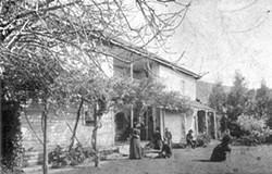 La Loma Adobe circa 1890s - Uploaded by Thomas Kessler