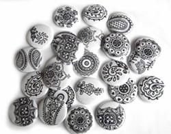 d1459b25_bda06bff0dfff5513e0d7339e1b3eadb--black-henna-white-henna.jpg