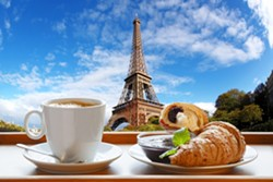 Coffee with croissant in Paris - Uploaded by George Garrigues