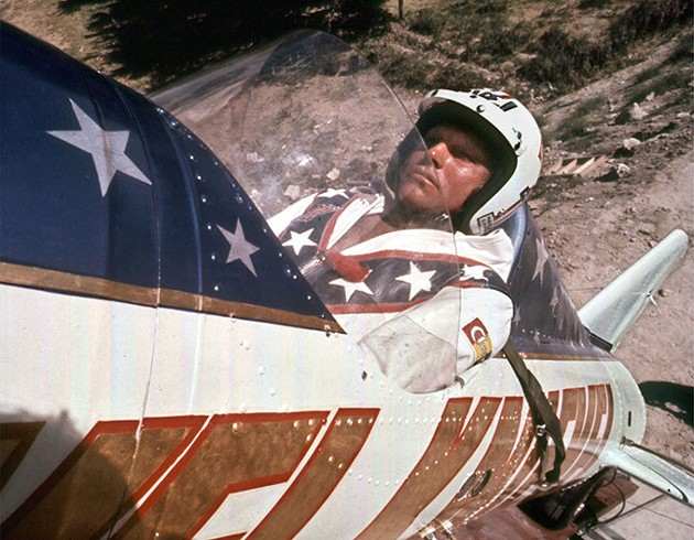 08 Sep 1974, Twin Falls, Idaho, USA --- ** FILE ** Evel Knievel is shown in his rocket on Sept. 8, 1974, before his failed attempt at a highly promoted 3/4-mile leap across Snake River Canyon in Idaho. Knievel, the hard-living motorcycle daredevil whose exploits made him an international icon in the 1970s, died Friday, Nov. 30, 2007. He was 69. (AP Photo/File) --- Image by © Anonymous/AP/AP/Corbis - FILE) --- IMAGE BY © ANONYMOUS/AP/AP/CORBIS