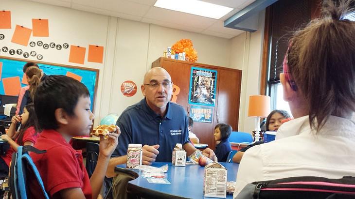 Superintendent Robert Neu joined a third-grade class at Mark Twain Elementary for breakfast on Aug. 4, 2014. - BEN FELDER
