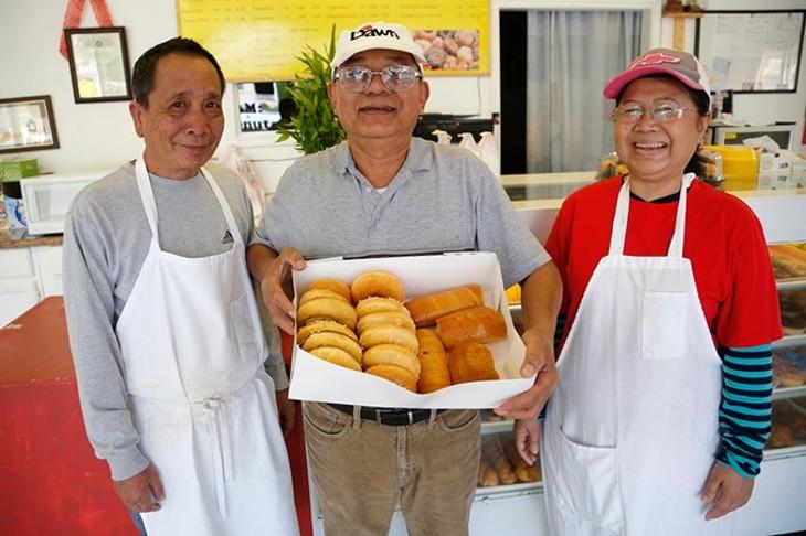 AM Donut (Garett Fisbeck)