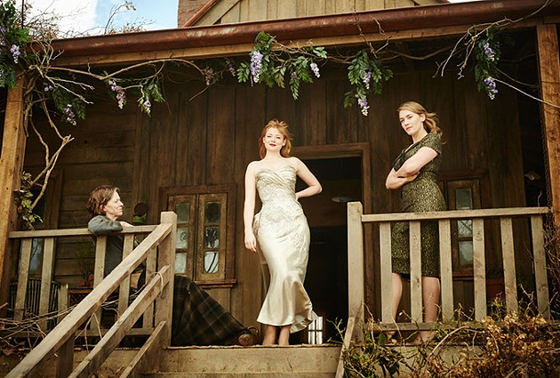 (l to r) Judy Davis as Molly Dunnage, Sarah Snook as Gertrude Pratt, and Kate Winslet as Tilly Dunnage in Jocelyn Moorhouse's THE DRESSMAKER       Credit: Ben King / Broad Green Pictures / Amazon Studios - BEN KING / BROAD GREEN PICTURES