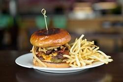 Ssämjang burger (Garett Fisbeck)