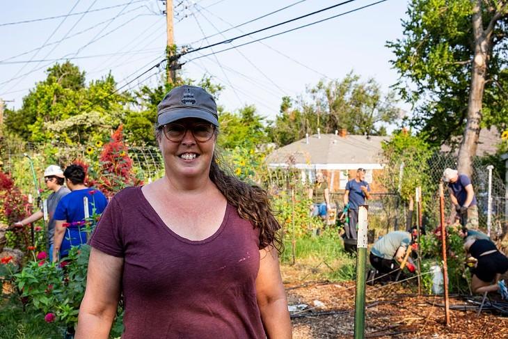 Jennifer Mabry   The Giving Garden - BERLIN GREEN