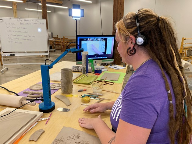 studio_school_livestreaming_2_web.jpg