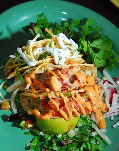 Iguana-Lounge-Tacos-EAT-43mh.jpg