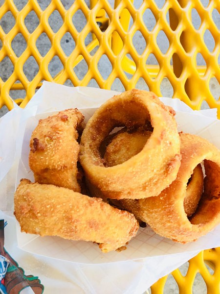 Onion rings | Photo Jacob Threadgill