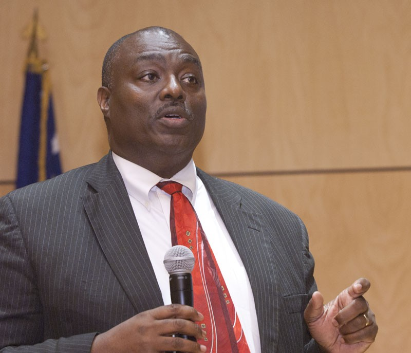 OKC Metropolitan Librariy director candidate, Roosevelt Weeks, speaking during a public meeting at the Ronald J. Norick Downtown Library, 9-23-14.  mh
