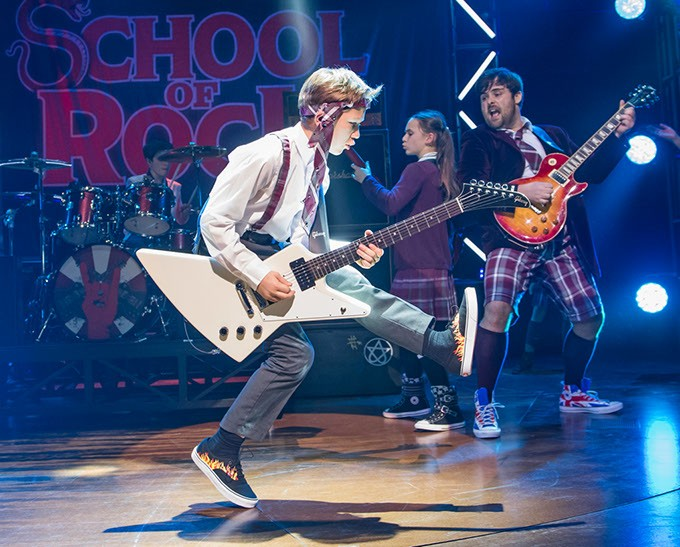 A scene from School Of Rock @ New London Theatre. Music by Andrew Lloyd Webber. Book by Julian Fellowes. Lyric by Glen Slater. - Directed by Laurence Connor. - (Opening 24-10-16) - ©Tristram Kenton 10/16 - (3 Raveley Street, LONDON NW5 2HX TEL 0207 267 5550  Mob 07973 617 355)email: tristram@tristramkenton.com - ©TRISTRAM KENTON