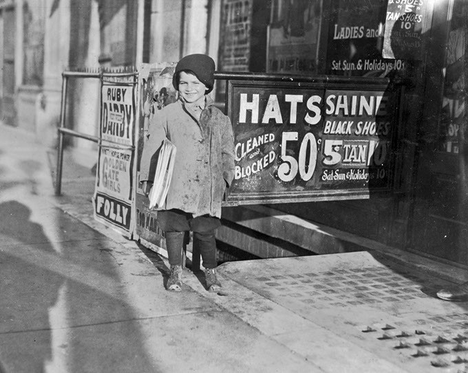 Oklahoma City, Oklahoma - Lewis W. Hine - March, 1917 - Notebook Entry: Hymie Miller, 5-year-old newsie who lives at 922 W. California St. Sells after school mostly. - Library of Congress Prints and Photographs Division, Washington D.C. - LIBRARY OF CONGRESS
