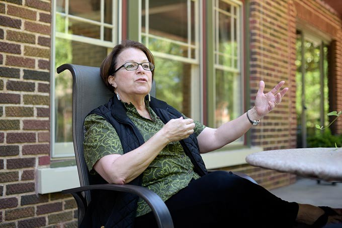 Susan Hogan (Garett Fisbeck)