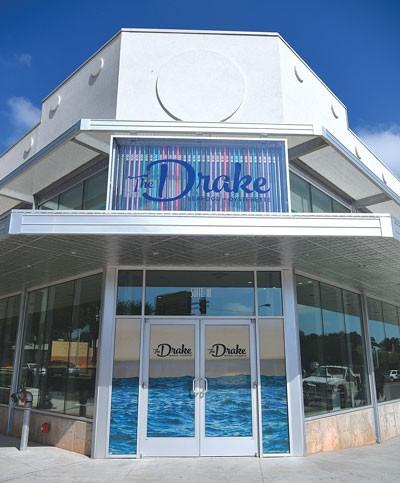 The-Drake-vert_0945mh.jpg