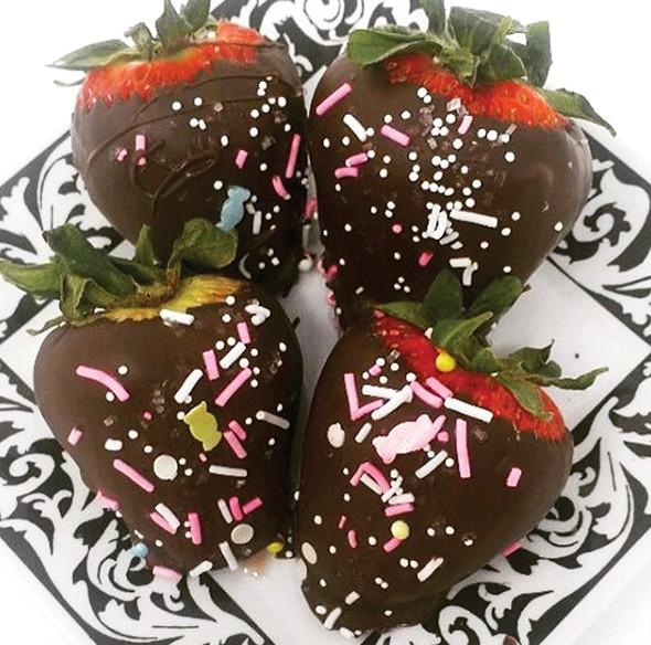 pinktzel_strawberries_1_.jpg
