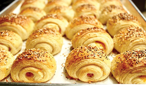 Mini ham and cheddar-stuffed croissants - PROVIDED