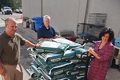 Oklahoma business donates 100 tons of food to feed OKC animals