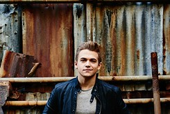 Hunter Hayes challenges the status quo album format