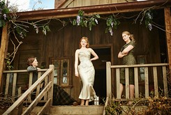 <em>The Dressmaker</em> entertains despite an overabundance of material