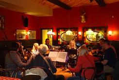 American Banjo Museum hosts an open bluegrass jam session