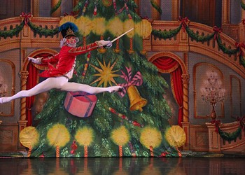 Local dance students will take the stage with Moscow Ballet for <em>Great Russian Nutcracker</em>