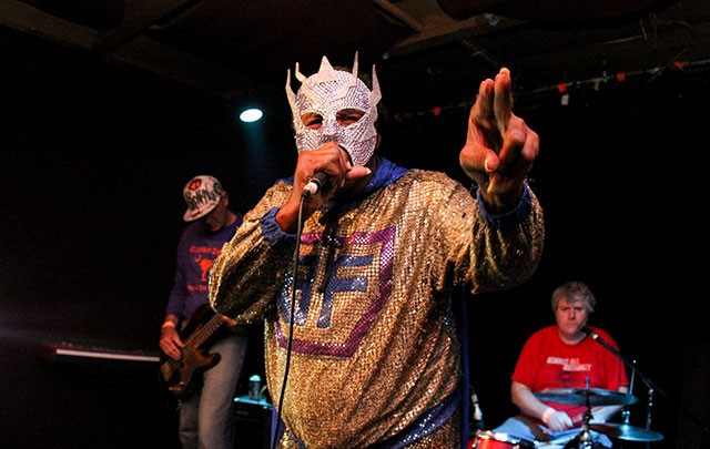 Blowfly at Will's Pub; Photo by Christopher Garcia
