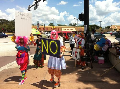 "Clown ""protest"" on Colonial Drive (8/6/11)"