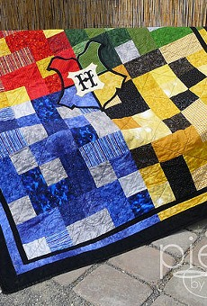 Harry Potter fans: You can buy this Hogwarts quilt on etsy.com